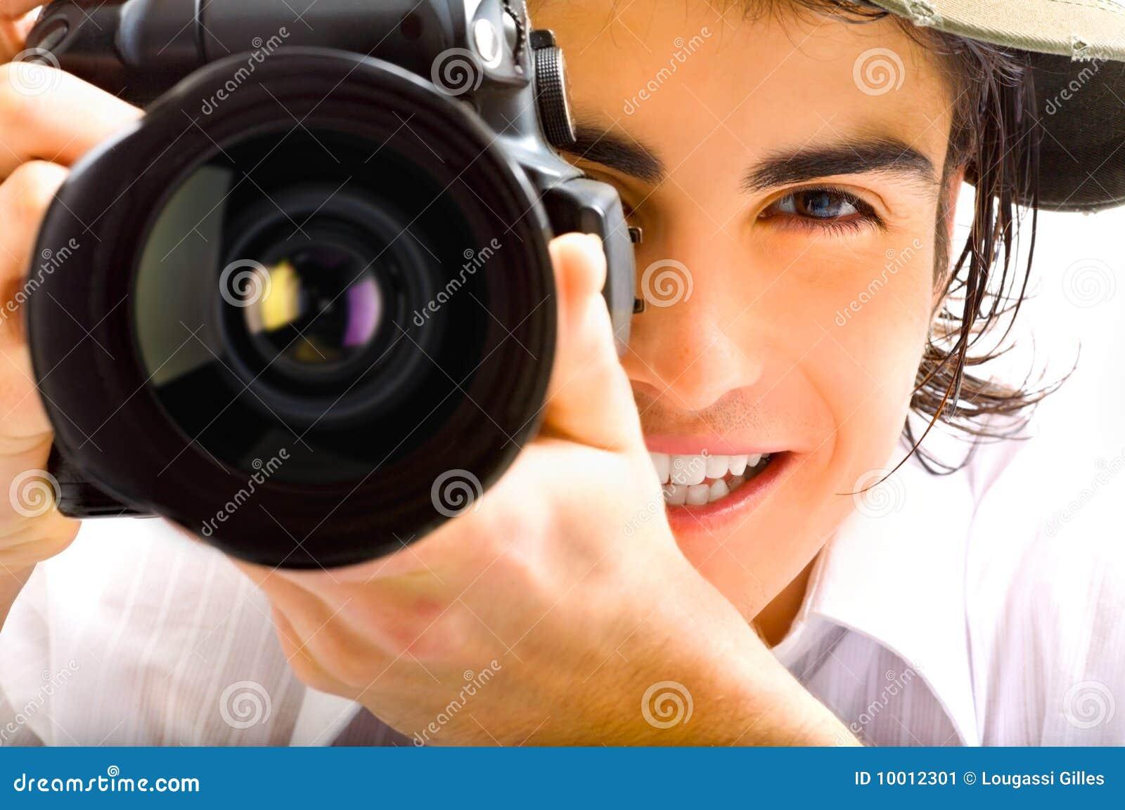 Repórter com câmera