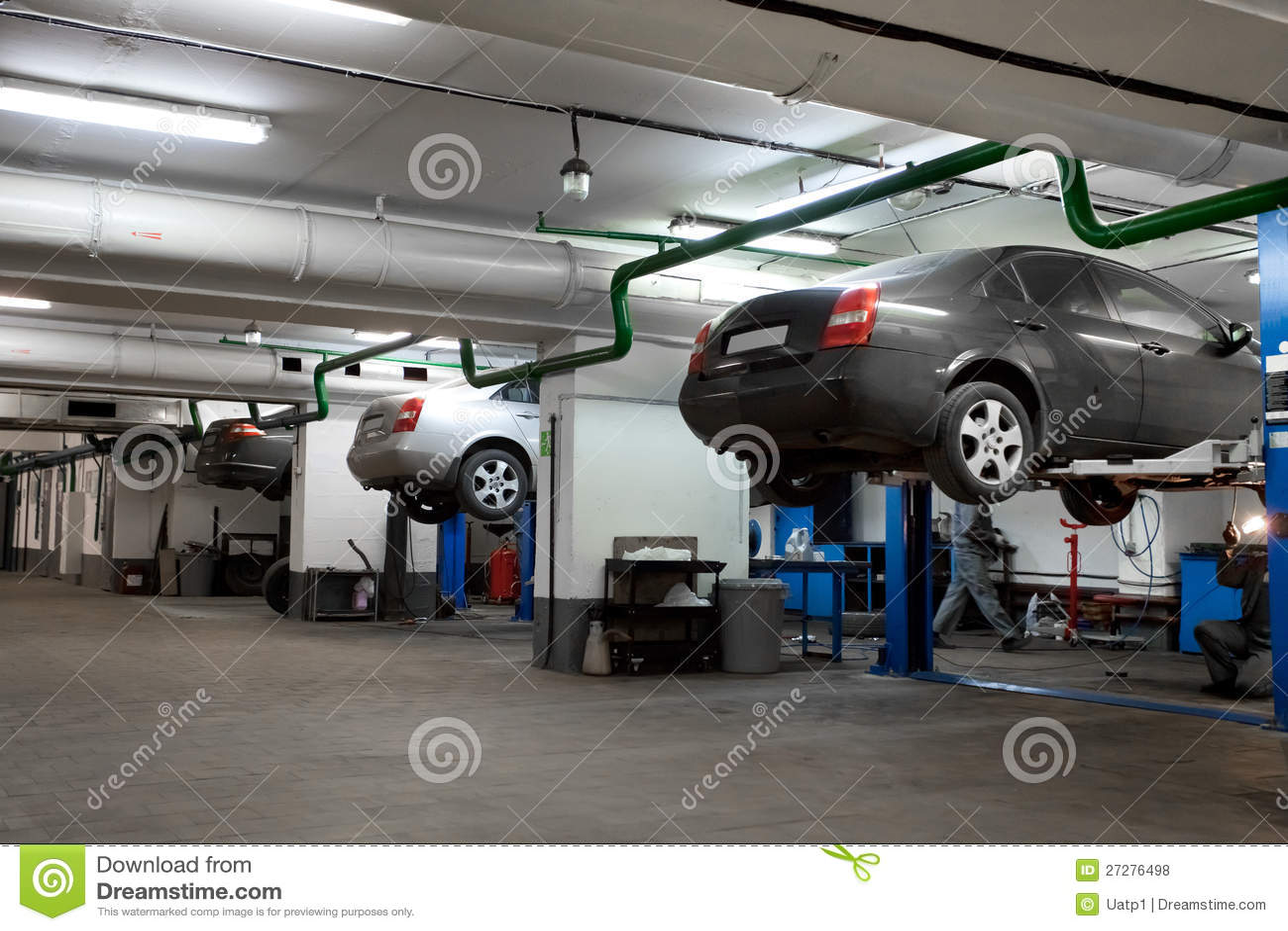 Repair garage royalty free stock photos image 27276498 for Garage reparation sarcelles