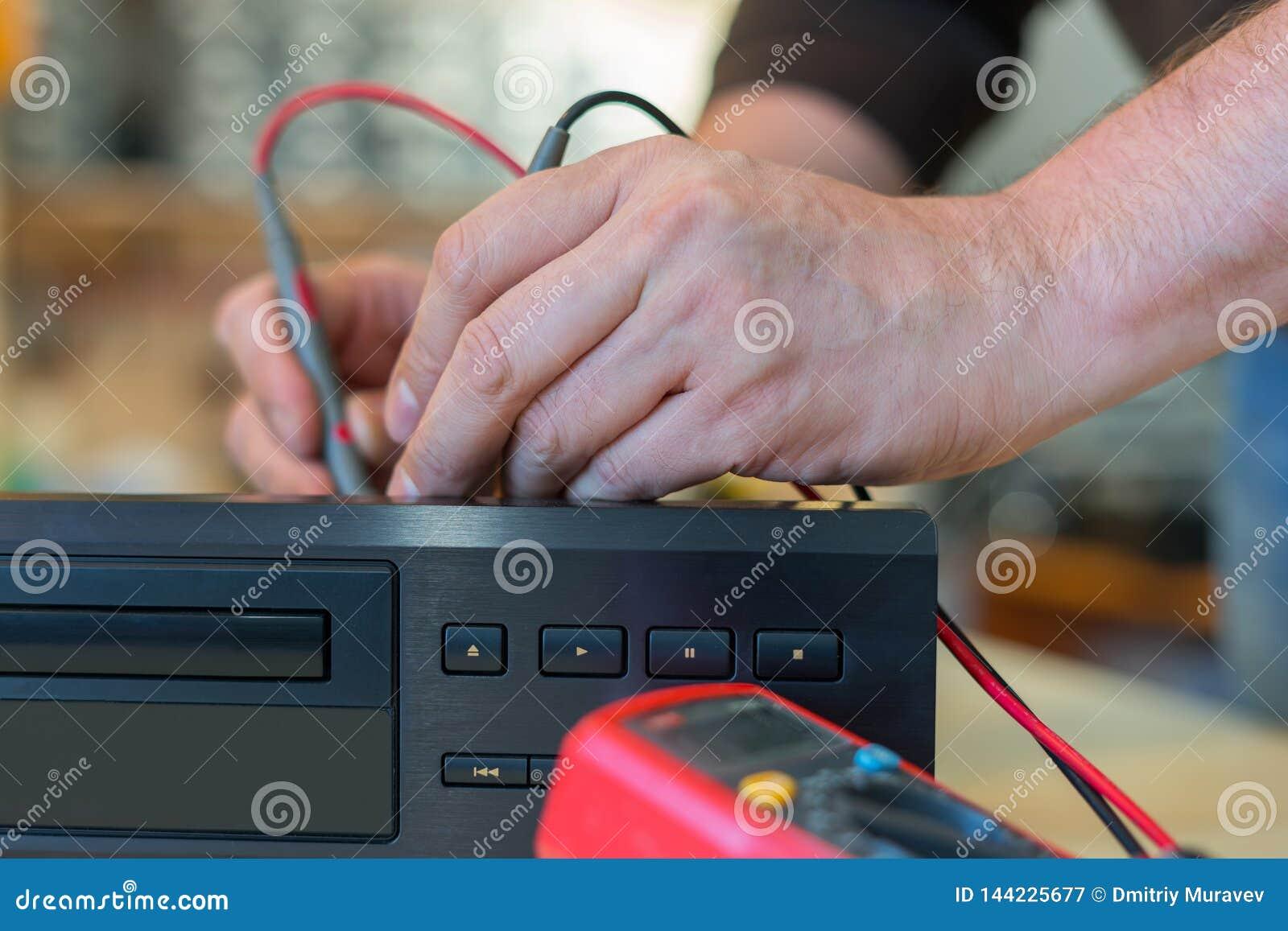 Repair of television video equipment. Home theater diagnostics