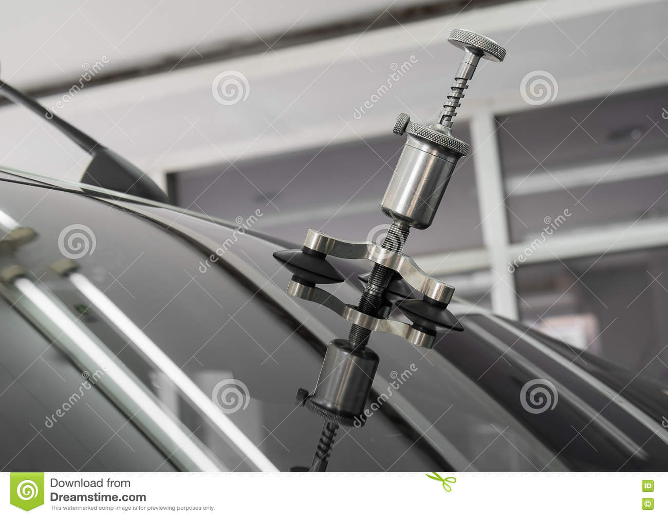 Repairing equipment for fixing of damaged windshield