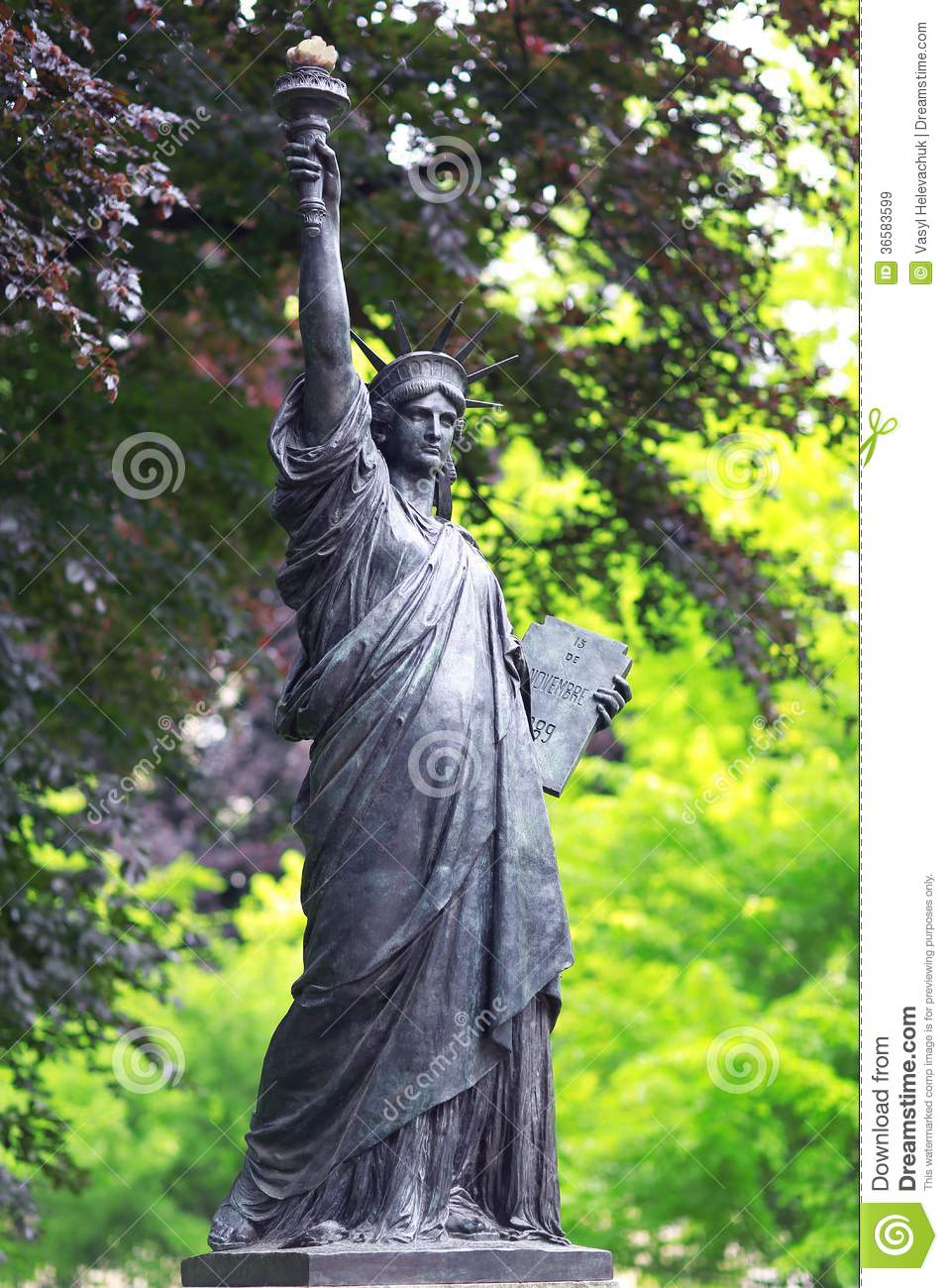 Replica Of Statue Royalty Free Stock Images Image 36583599