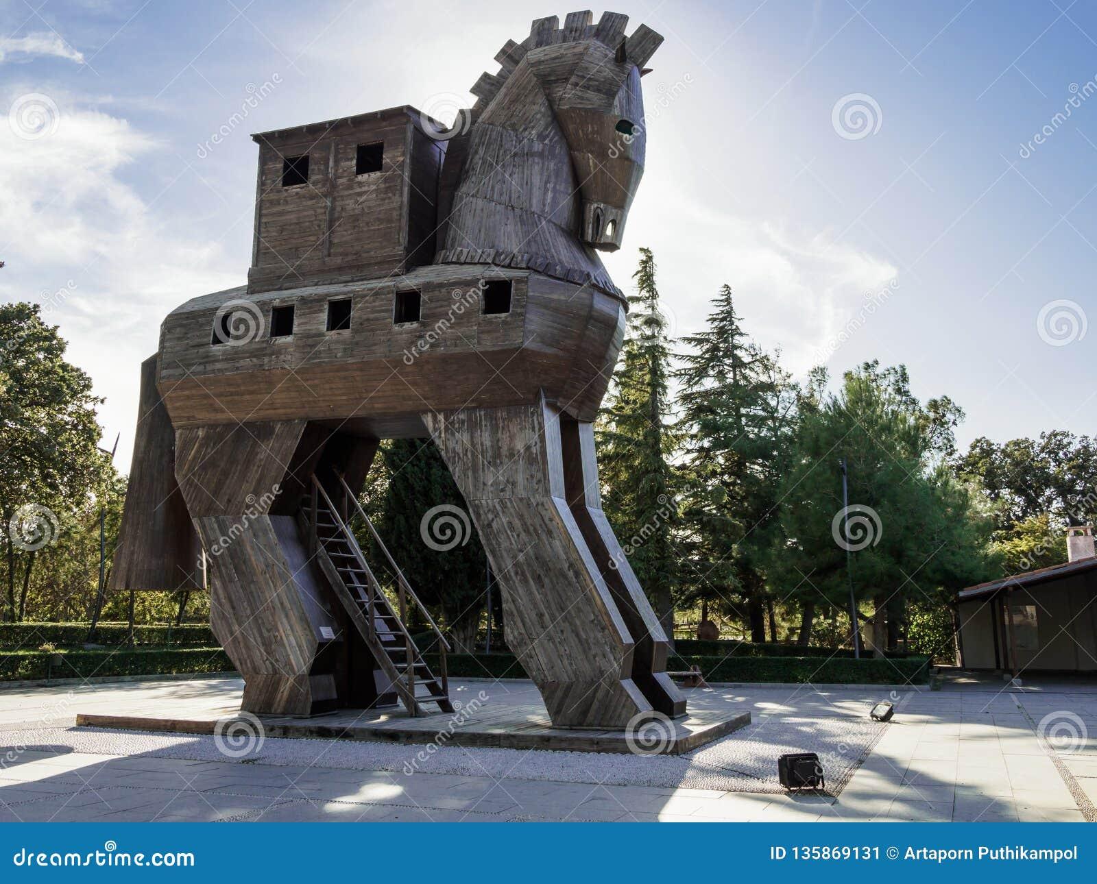 Replik des hölzernen Trojan Horse in alter Troja-Stadt, die Türkei