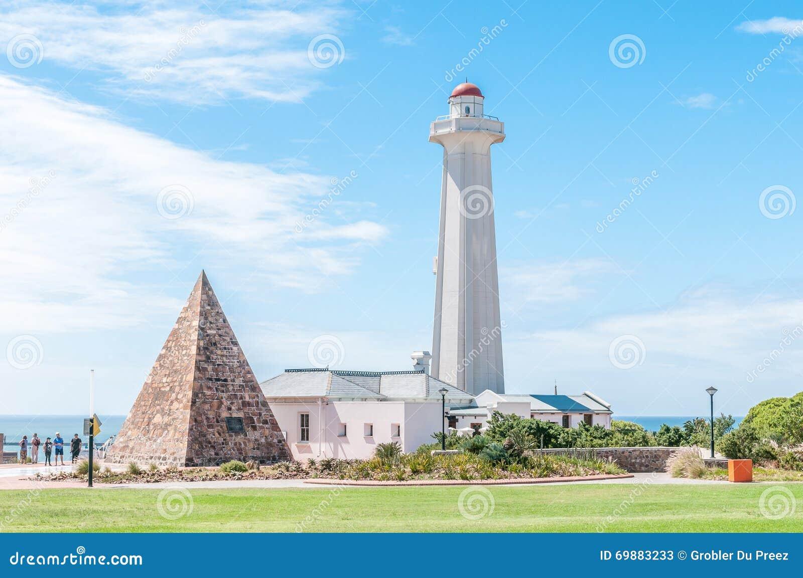 Reserva de Donkin com farol e pirâmide da pedra