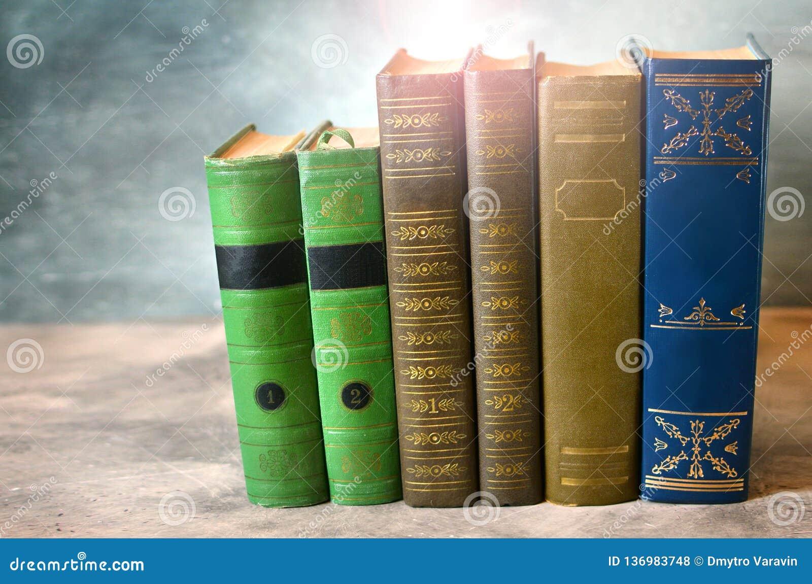 Reserva el primer Literatura clásica