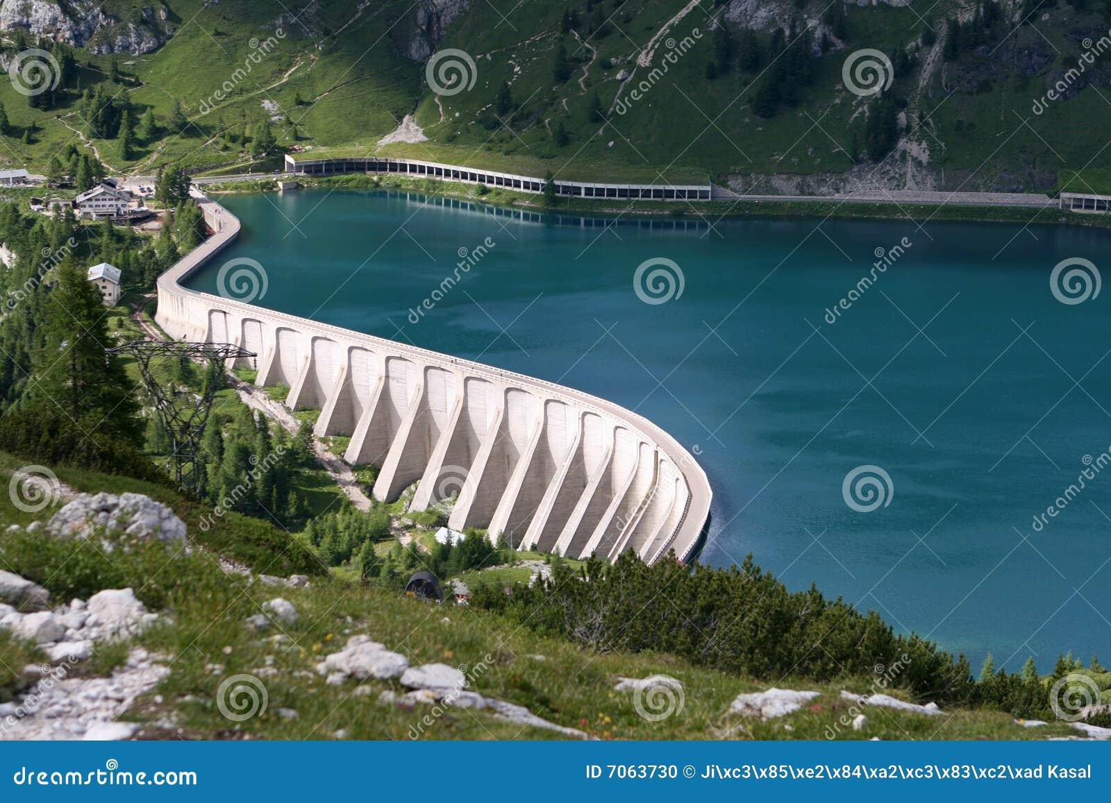 Reservatório Lago di Fedaia