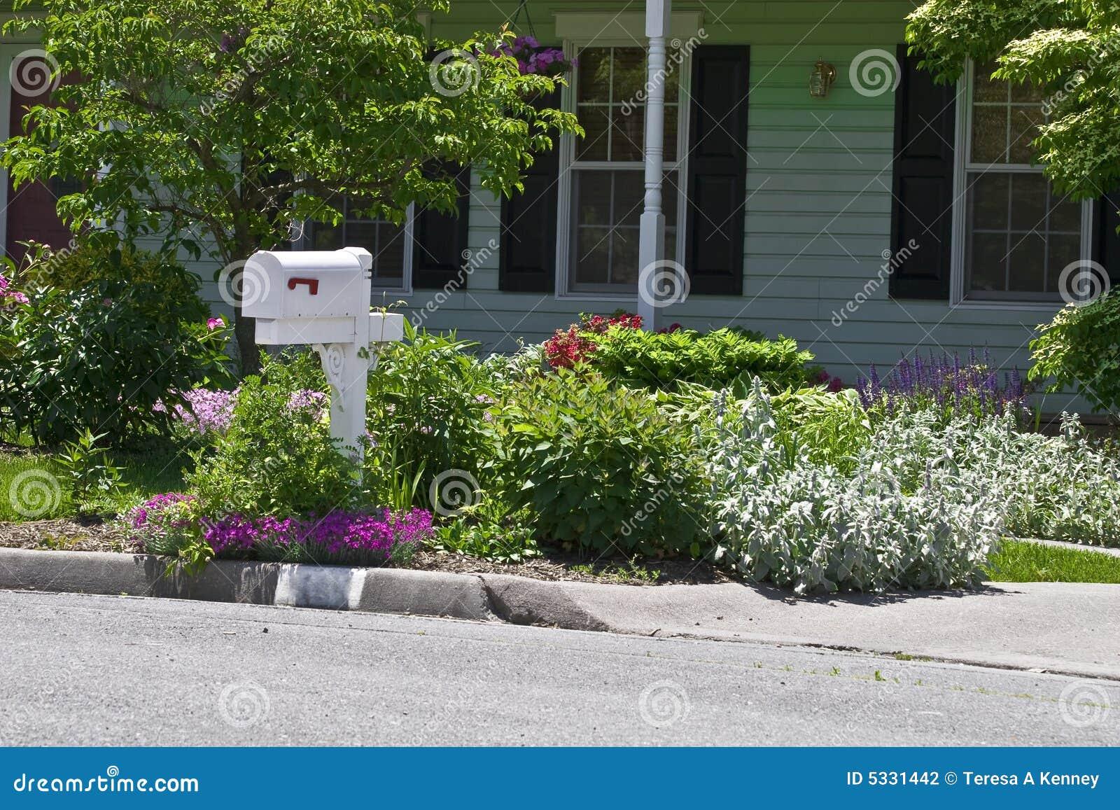 Residential flower gardens - Residential Flower Garden Stock Photography