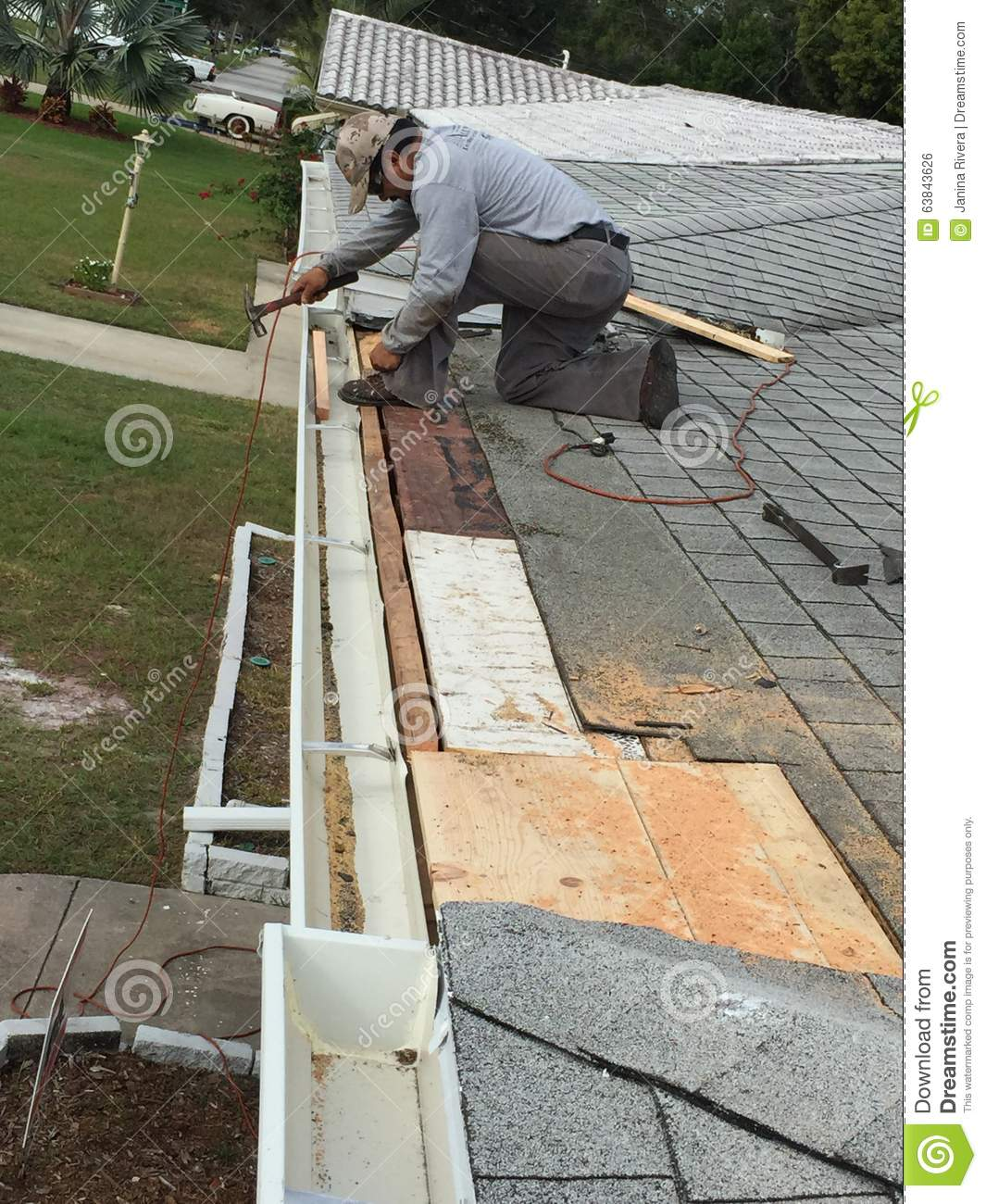 Residential roof drip edge and gutter repairs roofers for Leaking roof gutter