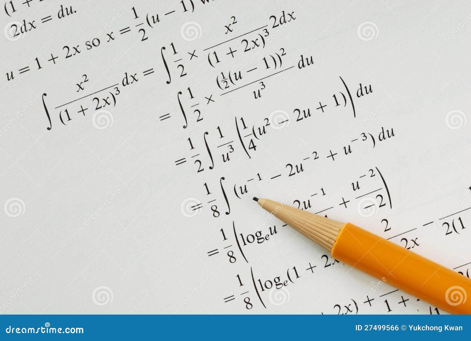 Resolva Um Problema Da Matematica Da Faculdade Foto De Stock Imagem De Calcule Geometria 27499566