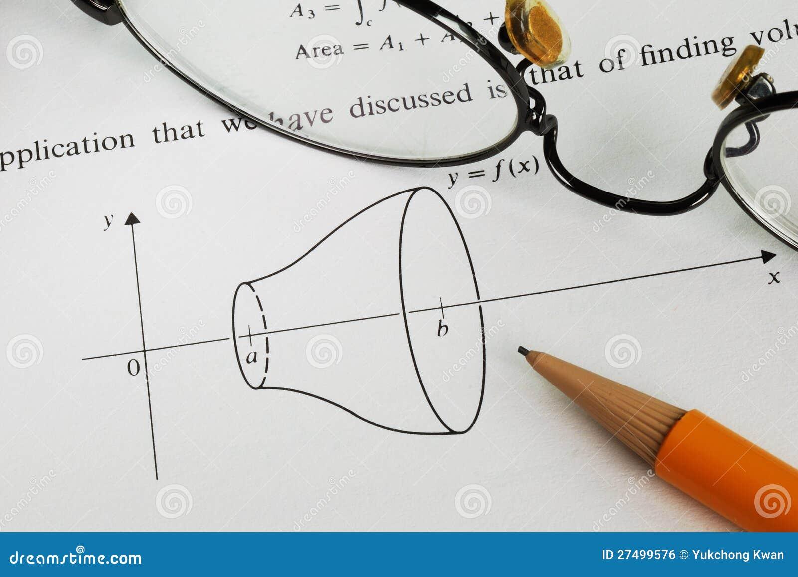 Resolva Um Problema Da Matematica Da Faculdade Foto De Stock Imagem De Estudo Escola 27499576