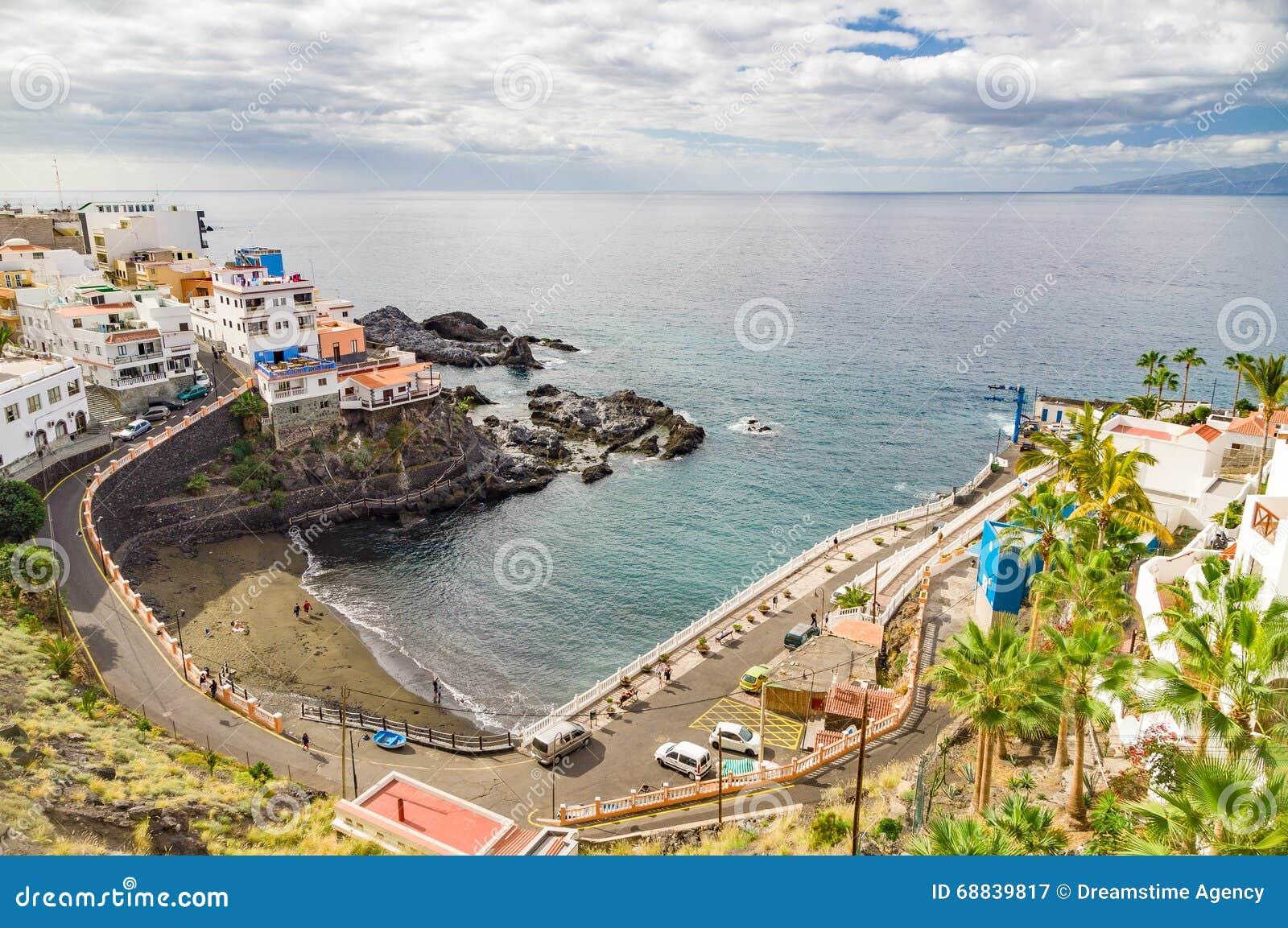 Resort town puerto de santiago tenerife stock image image 68839817 - Puerto santiago tenerife mapa ...