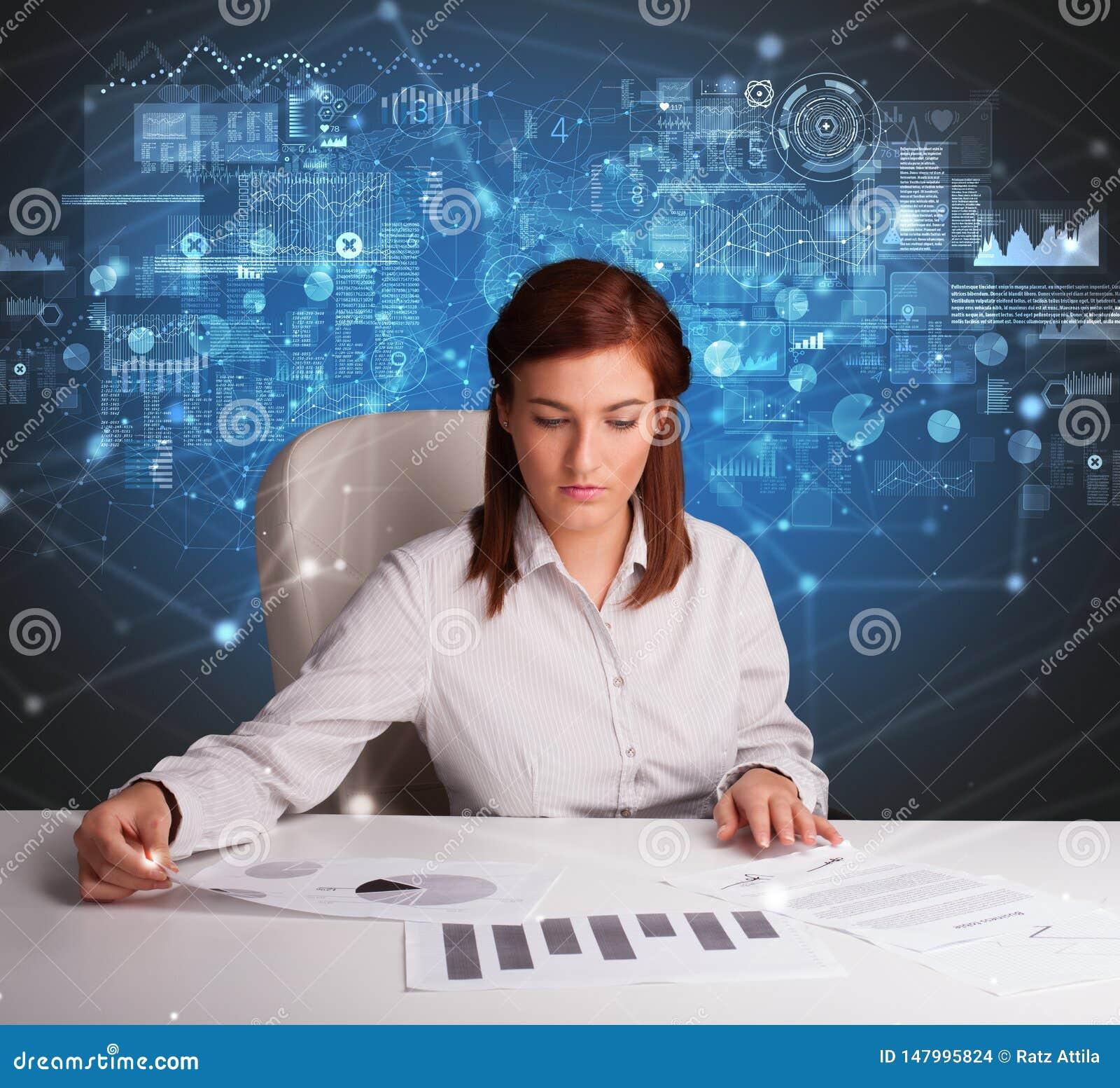 Responsabile all ufficio che fa i rapporti e le statistiche