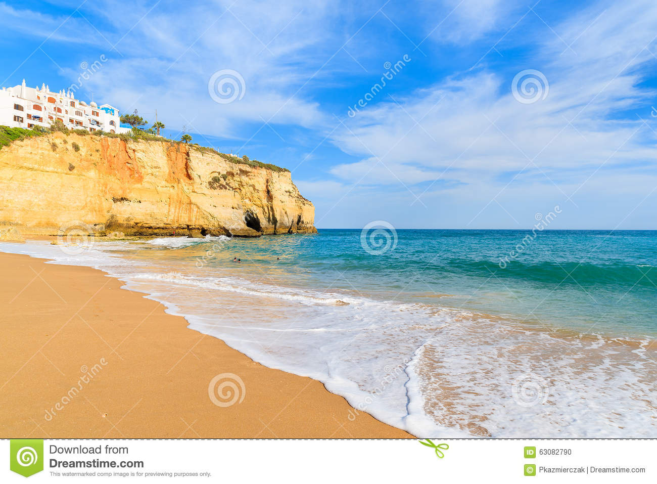 Download Ressac Sur La Plage Sablonneuse Dans La Ville De Carvoeiro Photo stock - Image du sunset, nature: 63082790