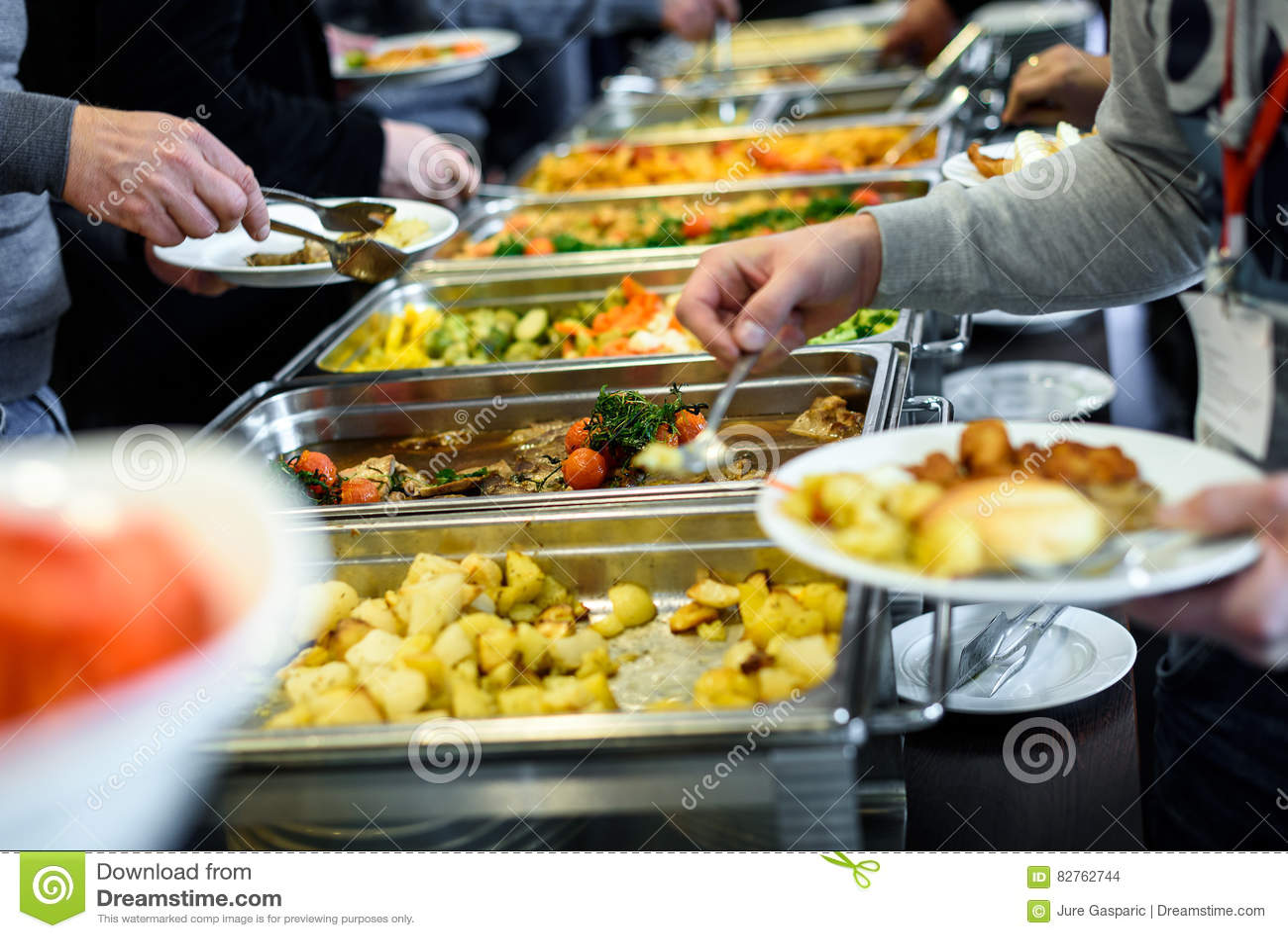 Restauração culinária do jantar do bufete da culinária que janta a celebração do alimento