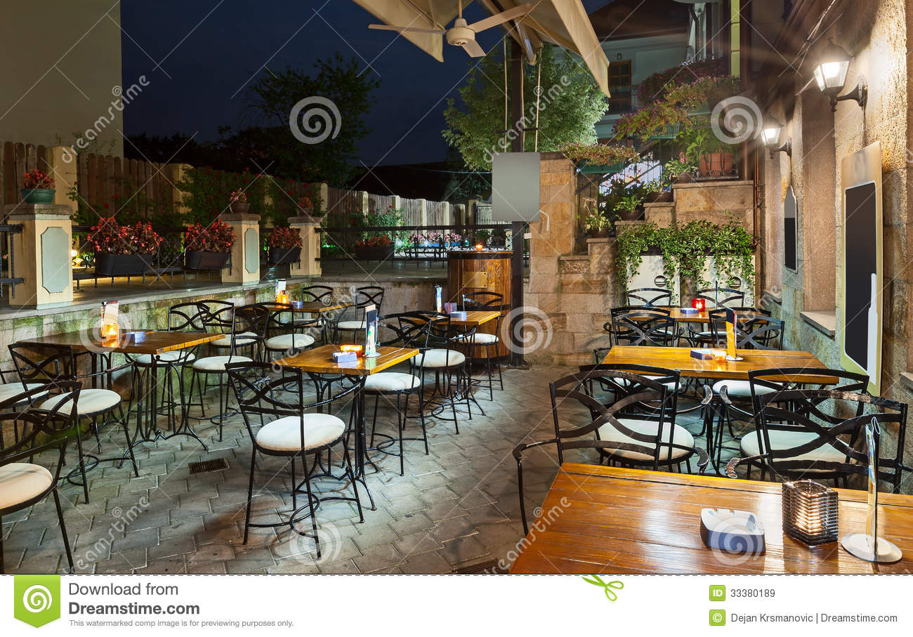 Restaurant balcony royalty free stock images image 33380189 for Restaurants with balcony