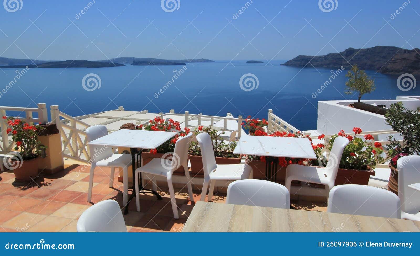 Restaurant balcony santorini greece stock photo image for Restaurants with balcony