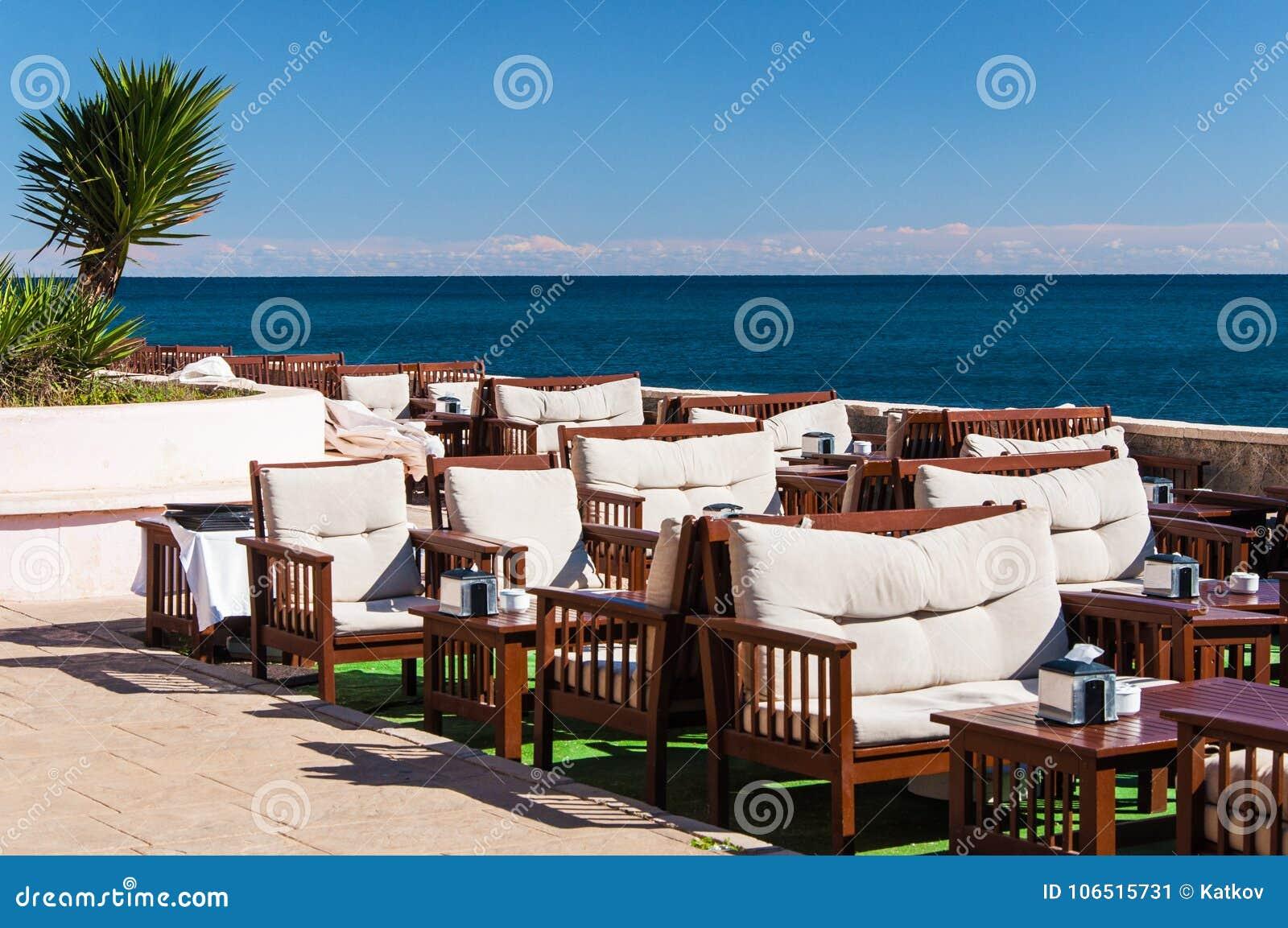Restaurant bij zeekust