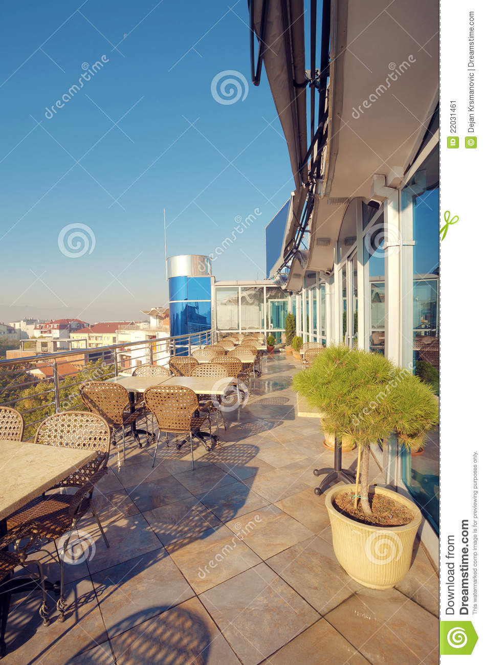 Restaurant ext rieur image stock image 22031461 for Exterieur restaurant