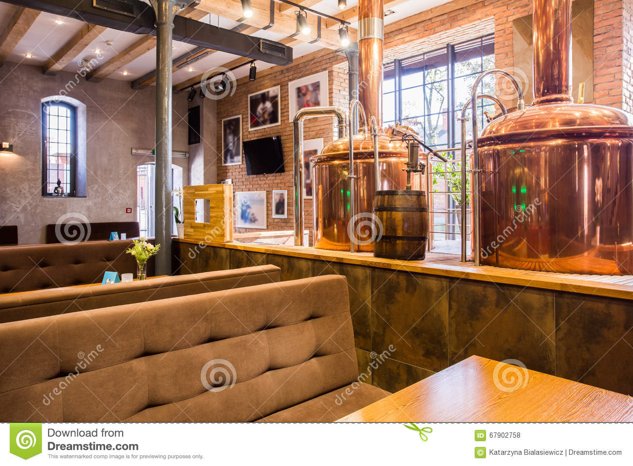 863 Restaurant Industrial Decor Photos Free Royalty Free Stock Photos From Dreamstime