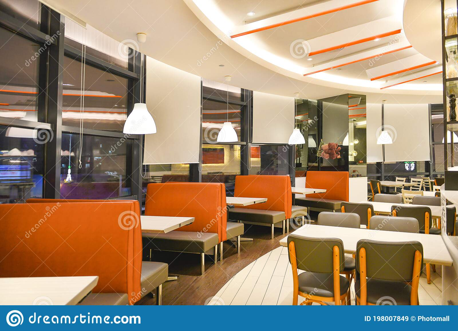 173 440 Restaurant Interior Photos Free Royalty Free Stock Photos From Dreamstime