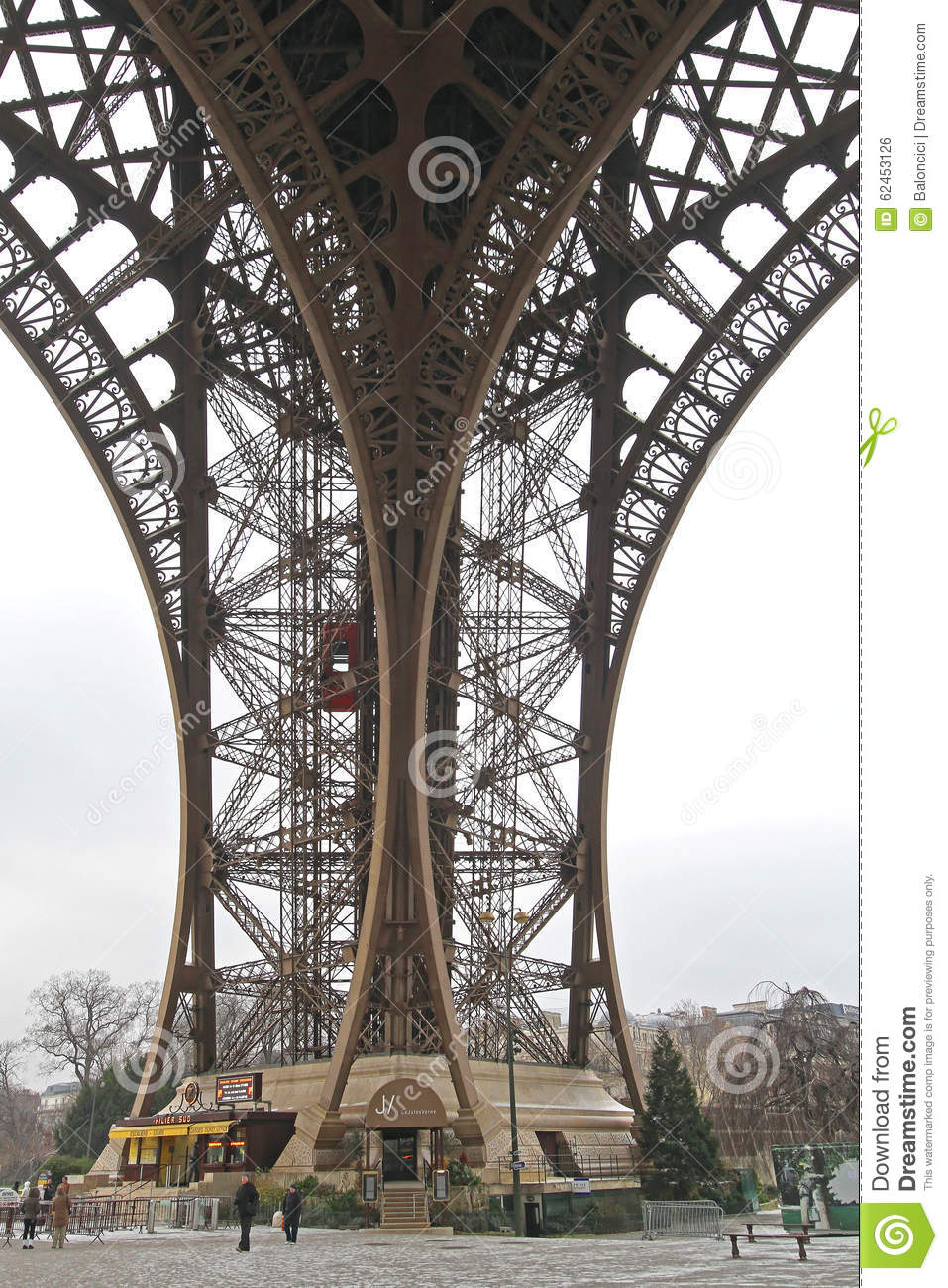 Restaurant Le Jules Verne Editorial Photo Image Of Tower