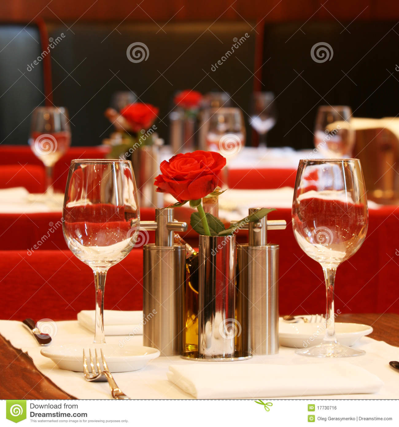 Restaurant table setting & Restaurant table setting stock photo. Image of catering - 17730716