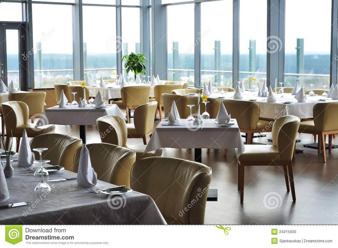 Modern restaurant table setting - Restaurant Tables Setting