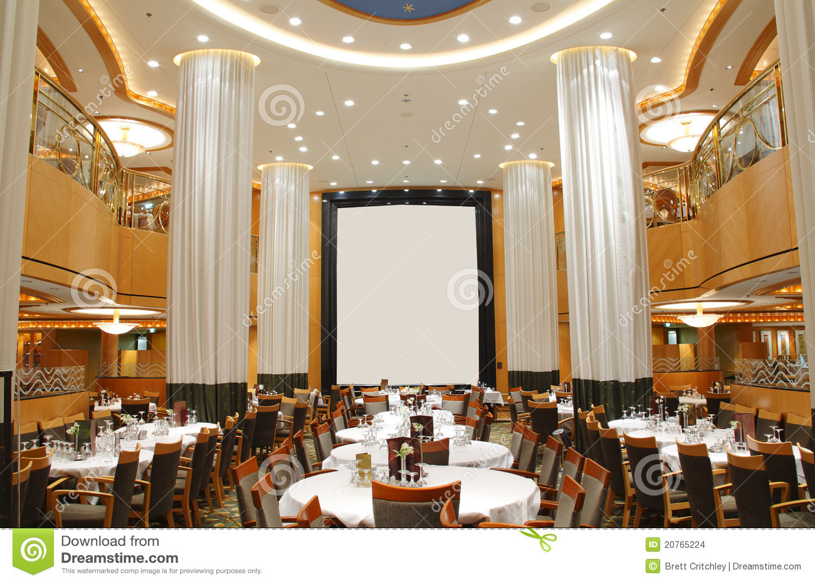 Restaurante de lujo vacío