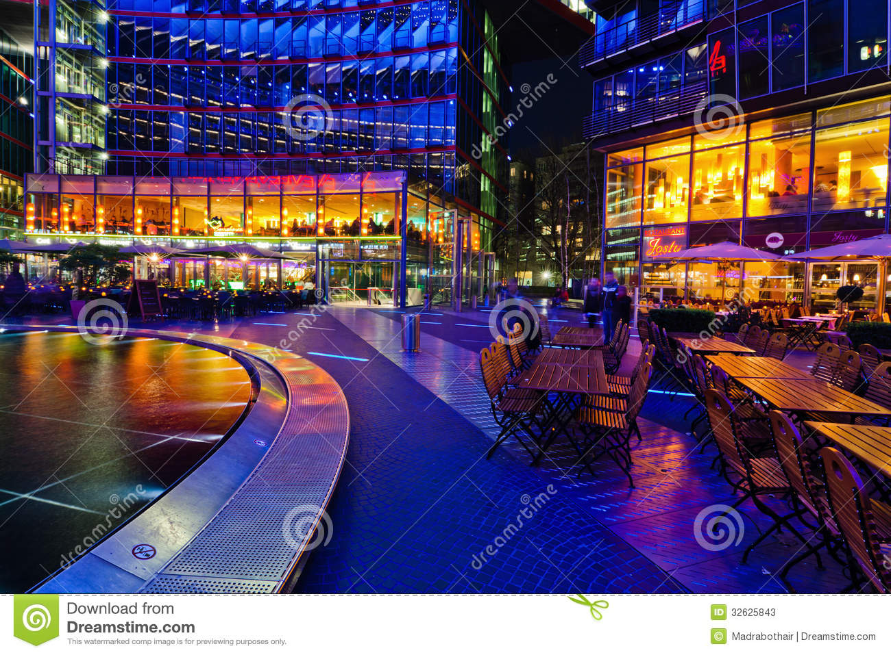 restaurants under the dome of the sony center in berlin editorial stock photo image 32625843. Black Bedroom Furniture Sets. Home Design Ideas