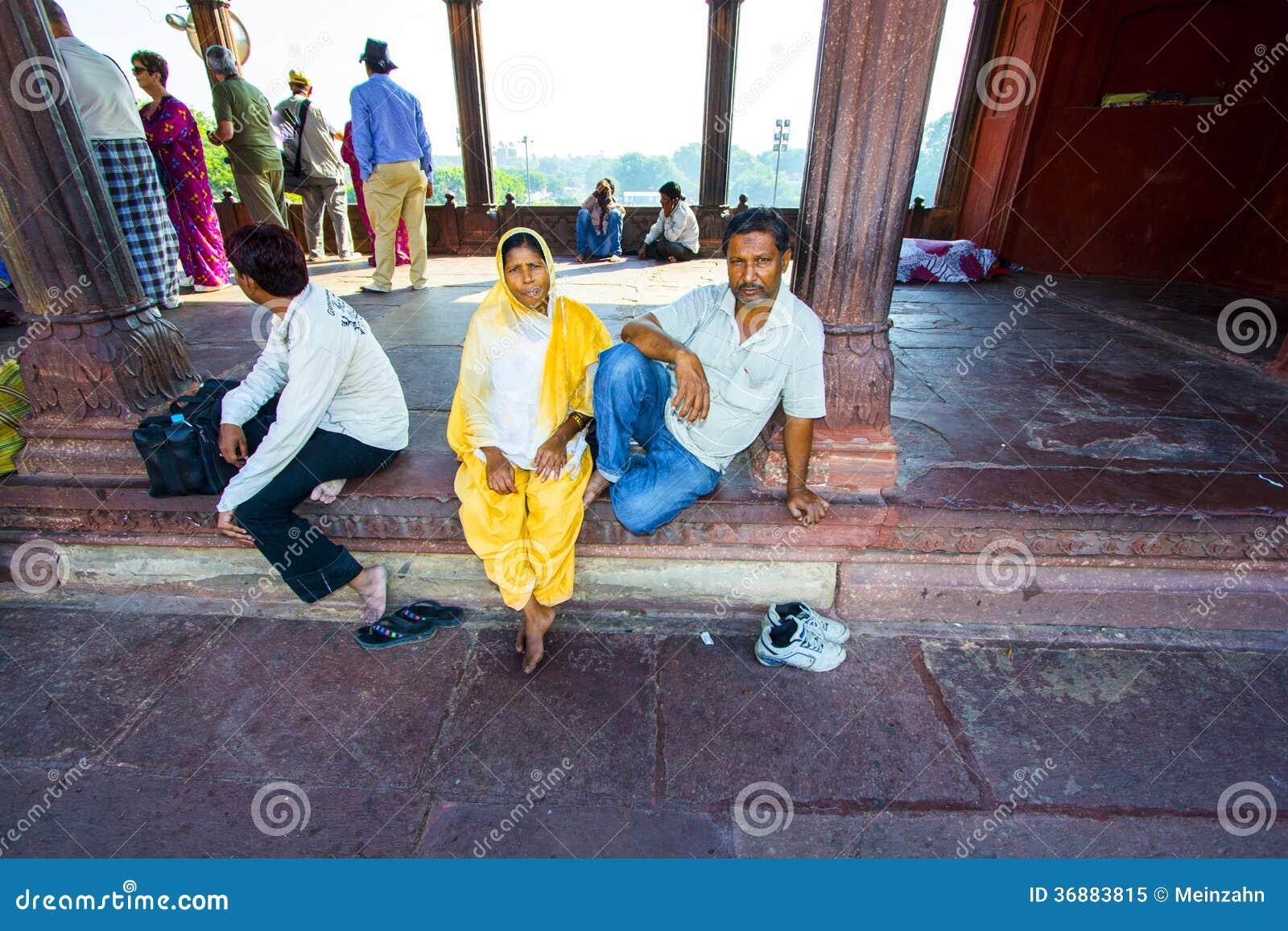 Download Resti Della Famiglia In Jama Masjid Mosque, Immagine Editoriale - Immagine di grandma, cupola: 36883815