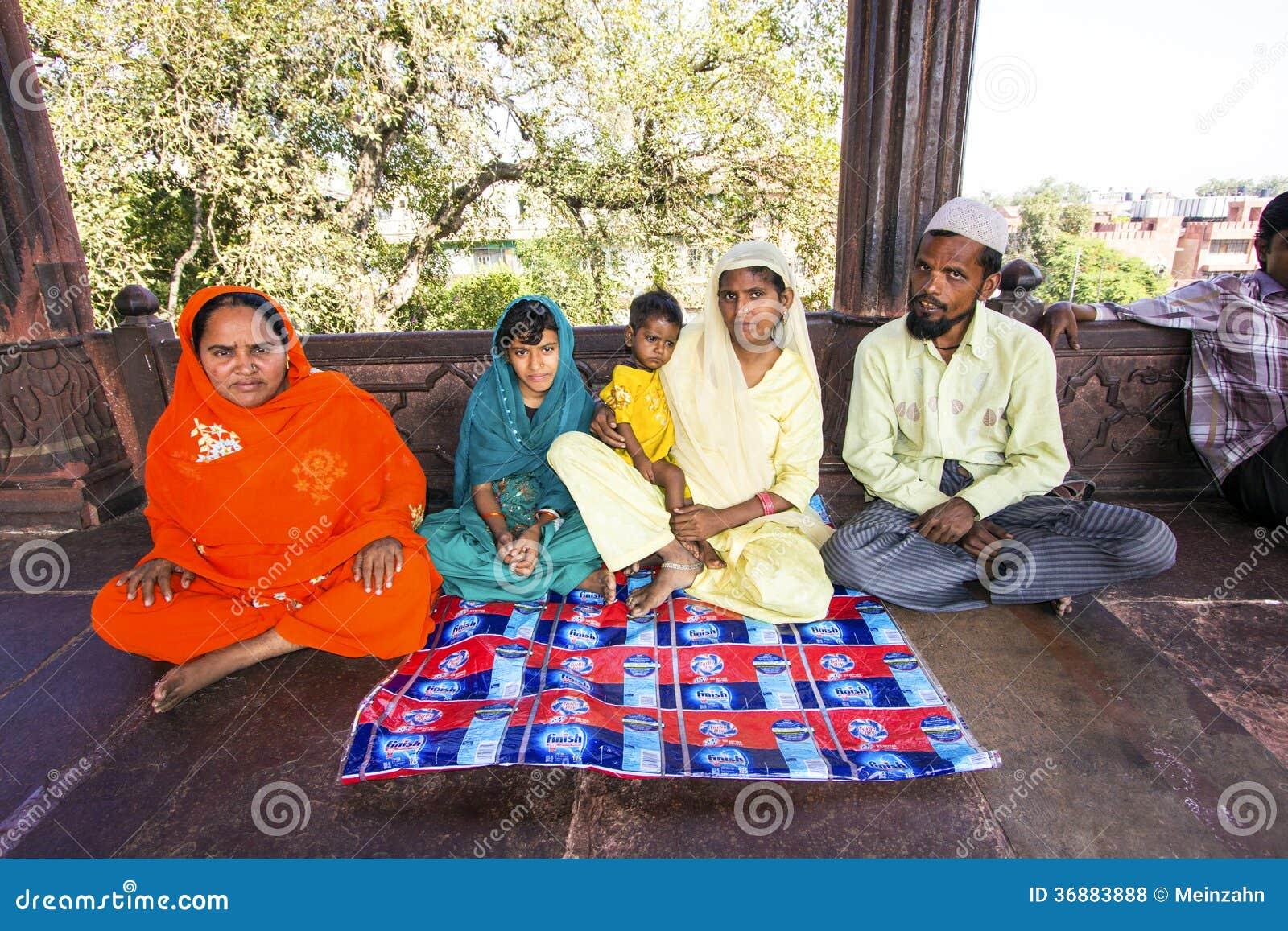 Download Resti Della Famiglia In Jama Masjid Mosque, Fotografia Stock Editoriale - Immagine di santo, indiano: 36883888