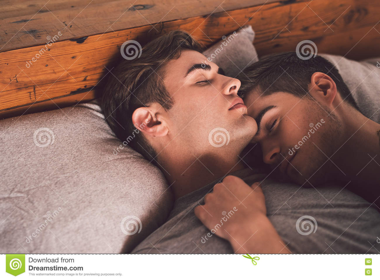 Free gay sleeping