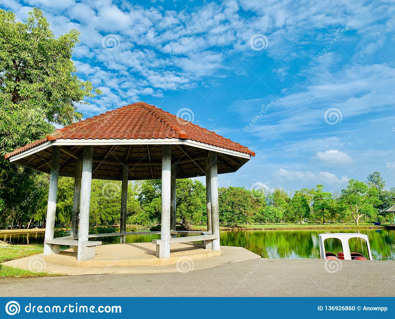 A resting place in Pattani Park That is Somdej Phra Srinakarin Garden