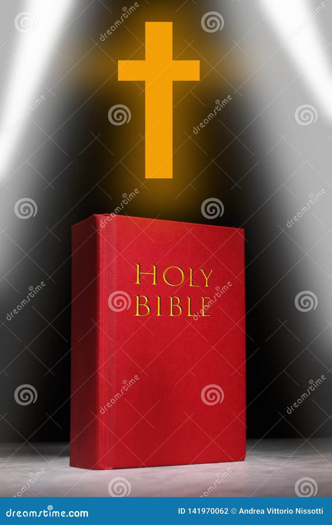 Resto de livro da Bíblia Sagrada em uma tabela de mármore com espaço da cópia para seu texto