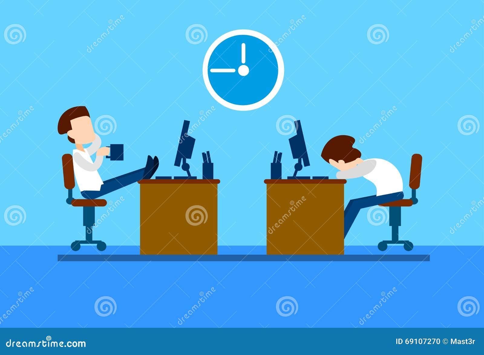 Resto do homem de negócio dos trabalhadores de escritório na ruptura, computador de assento da mesa, café da bebida, sono