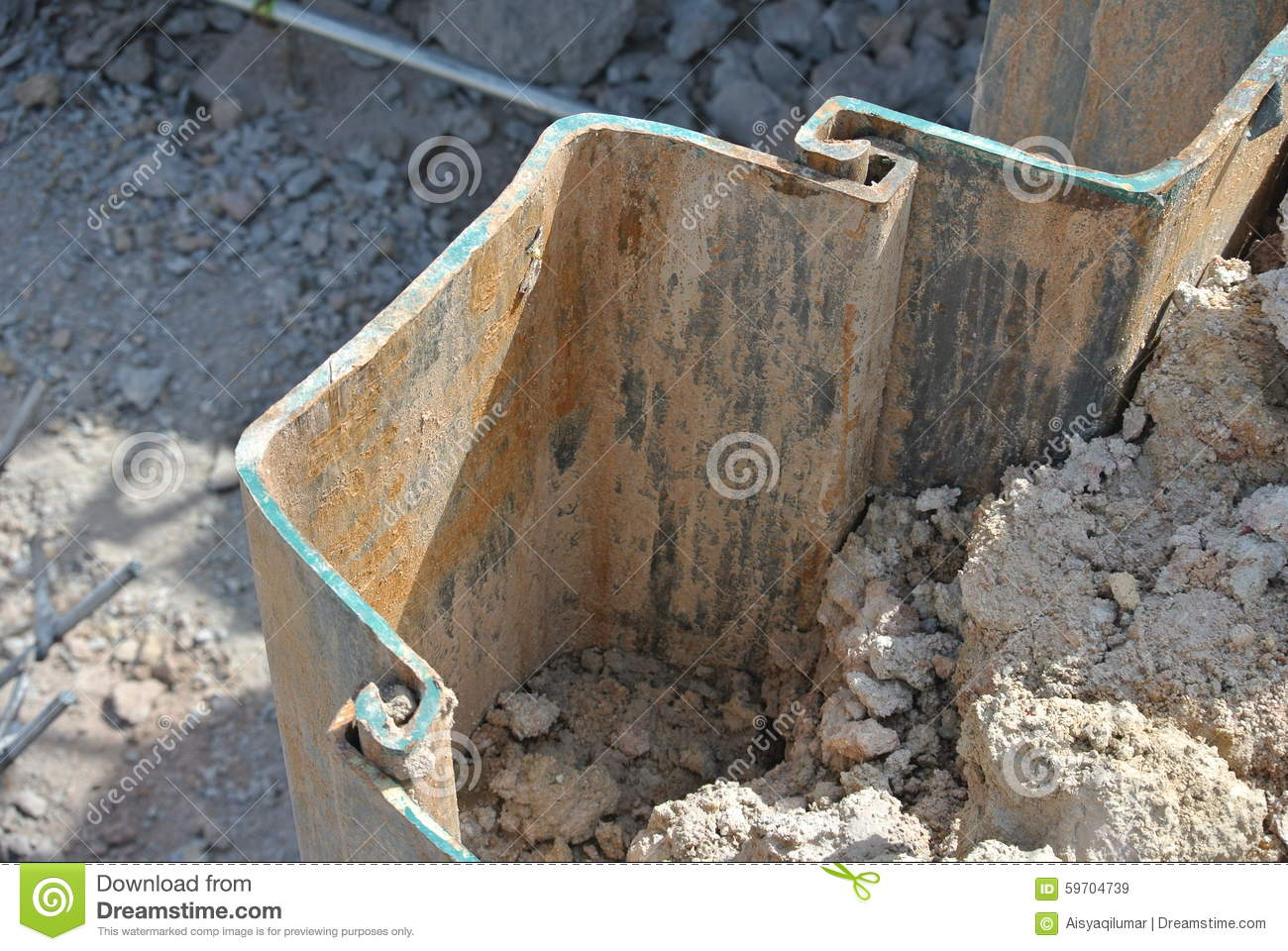 Construction Sheet Metal : Retaining wall steel sheet pile stock photo image