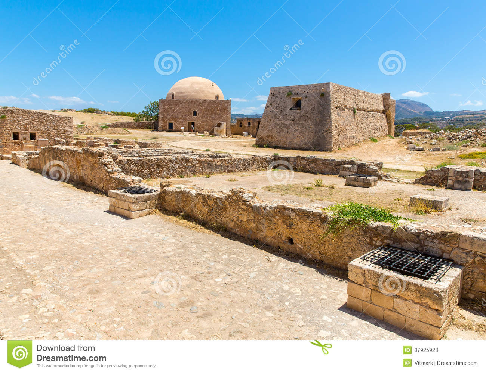 Руины старого городка в Rethymno, Крите, Греции.