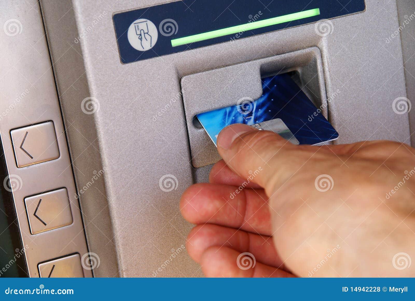 Retirada de dinheiro através do ATM