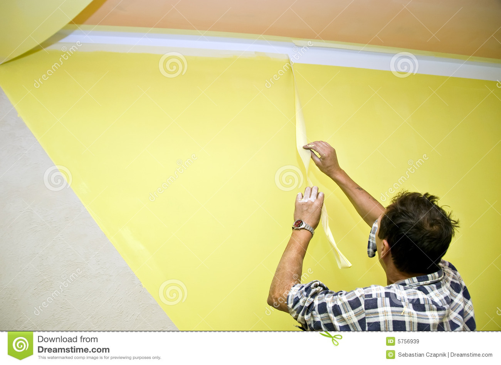 retirer la bande de peinture images libres de droits image 5756939. Black Bedroom Furniture Sets. Home Design Ideas