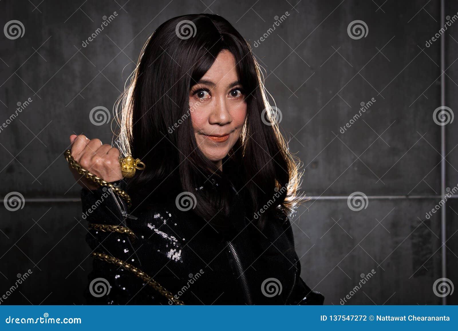 Retrato asiático da mulher da forma velha dos anos de 50s 60s