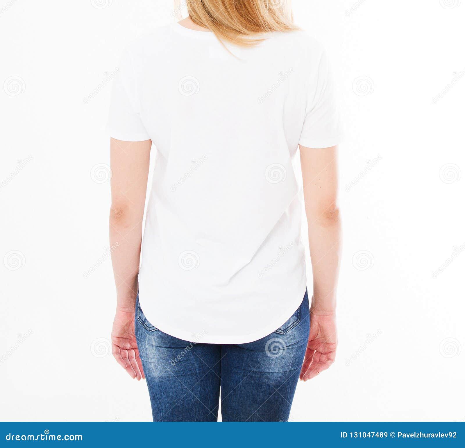Retrato colhido da mulher no t-shirt no fundo branco Zombaria acima para o projeto Copie o espaço molde blank