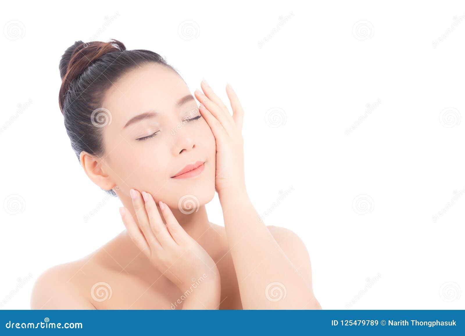 Retrato da composição asiática da mulher bonita do cosmético, do mordente do toque da mão da menina e do sorriso atrativos