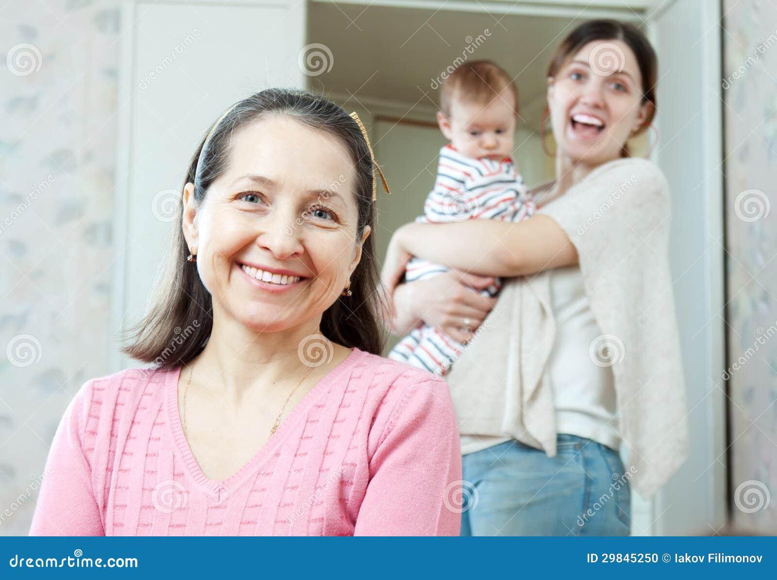 Retrato da avó feliz
