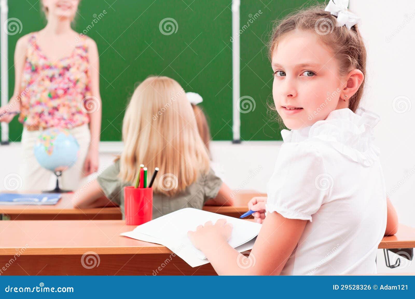Retrato da menina na classe