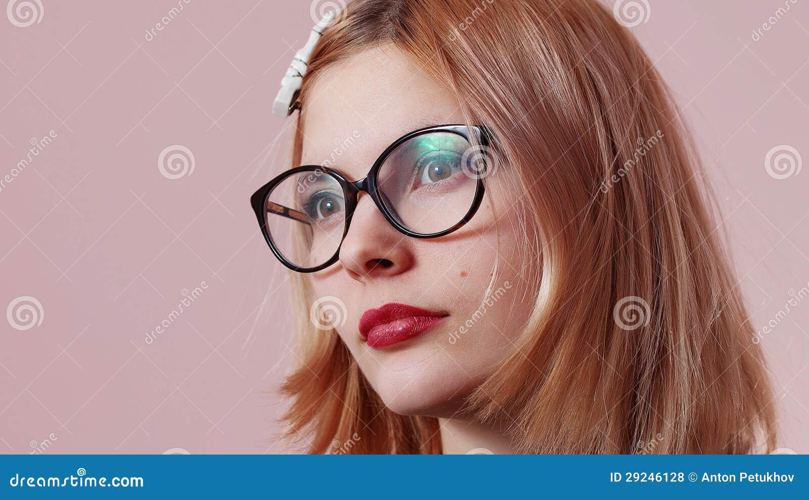 Download Retrato da moça foto de stock. Imagem de charming, encontrar - 29246128