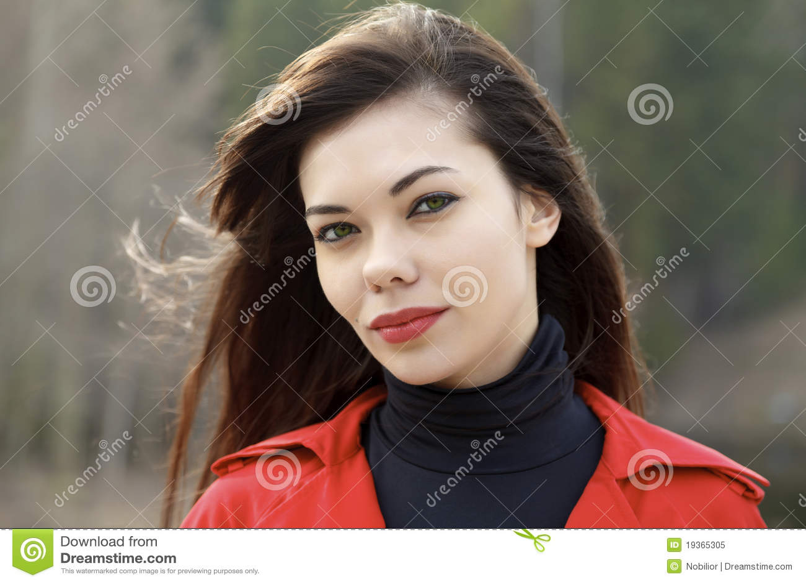 Retrato da mulher bonito