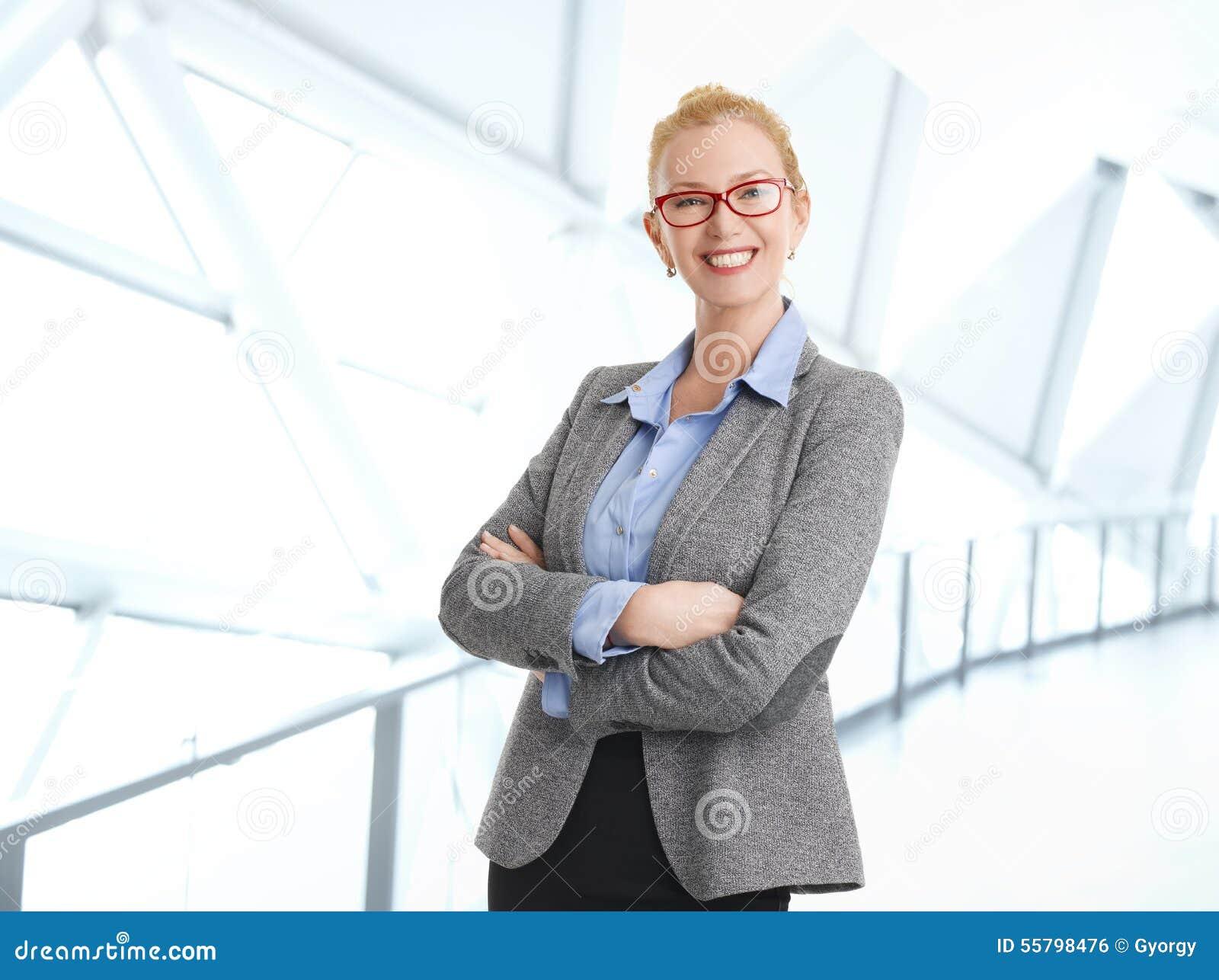 Retrato da mulher de negócios da Idade Média