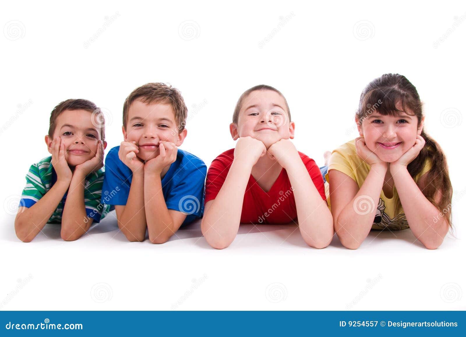 Retrato de cuatro niños