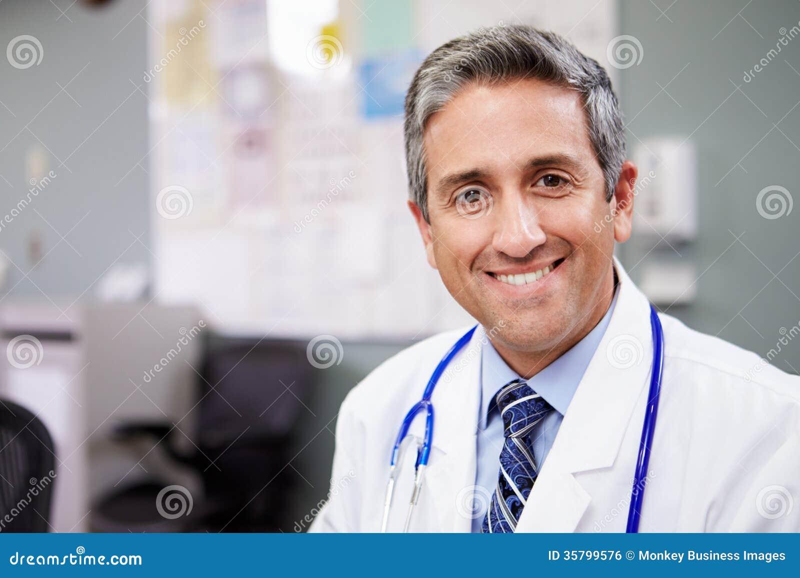 Retrato de la estación del doctor Working At Nurses