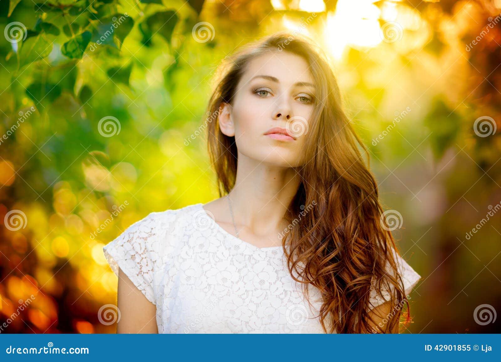 Retrato de la mujer del verano