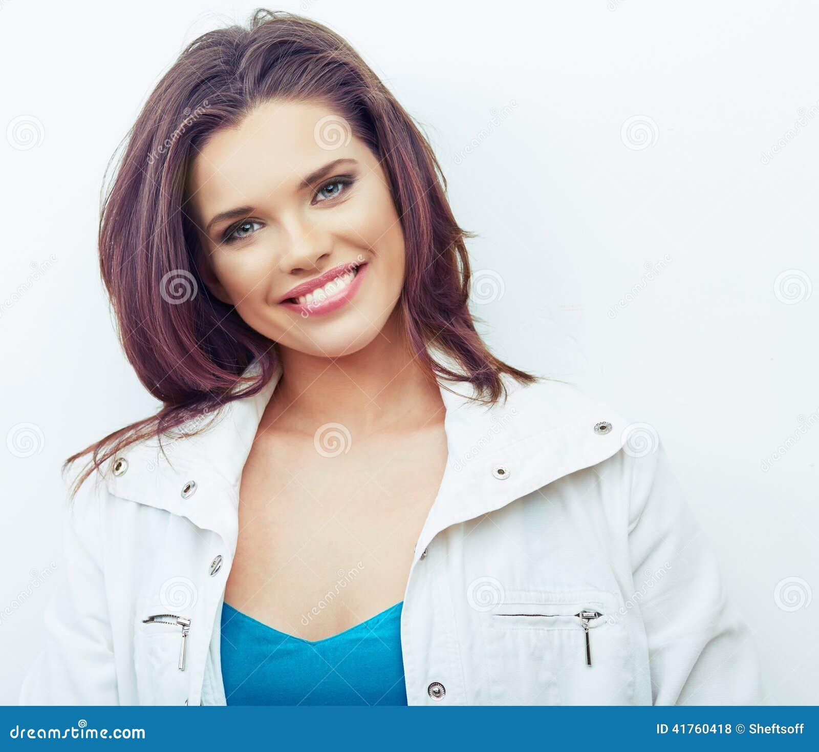 Retrato de la mujer hermosa Fondo blanco